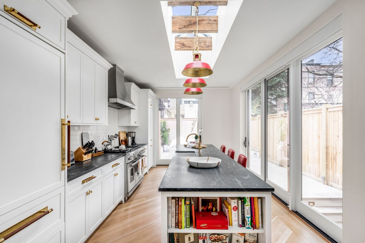 Emily Blunt and John Krasinski's $8M Brooklyn home for ...