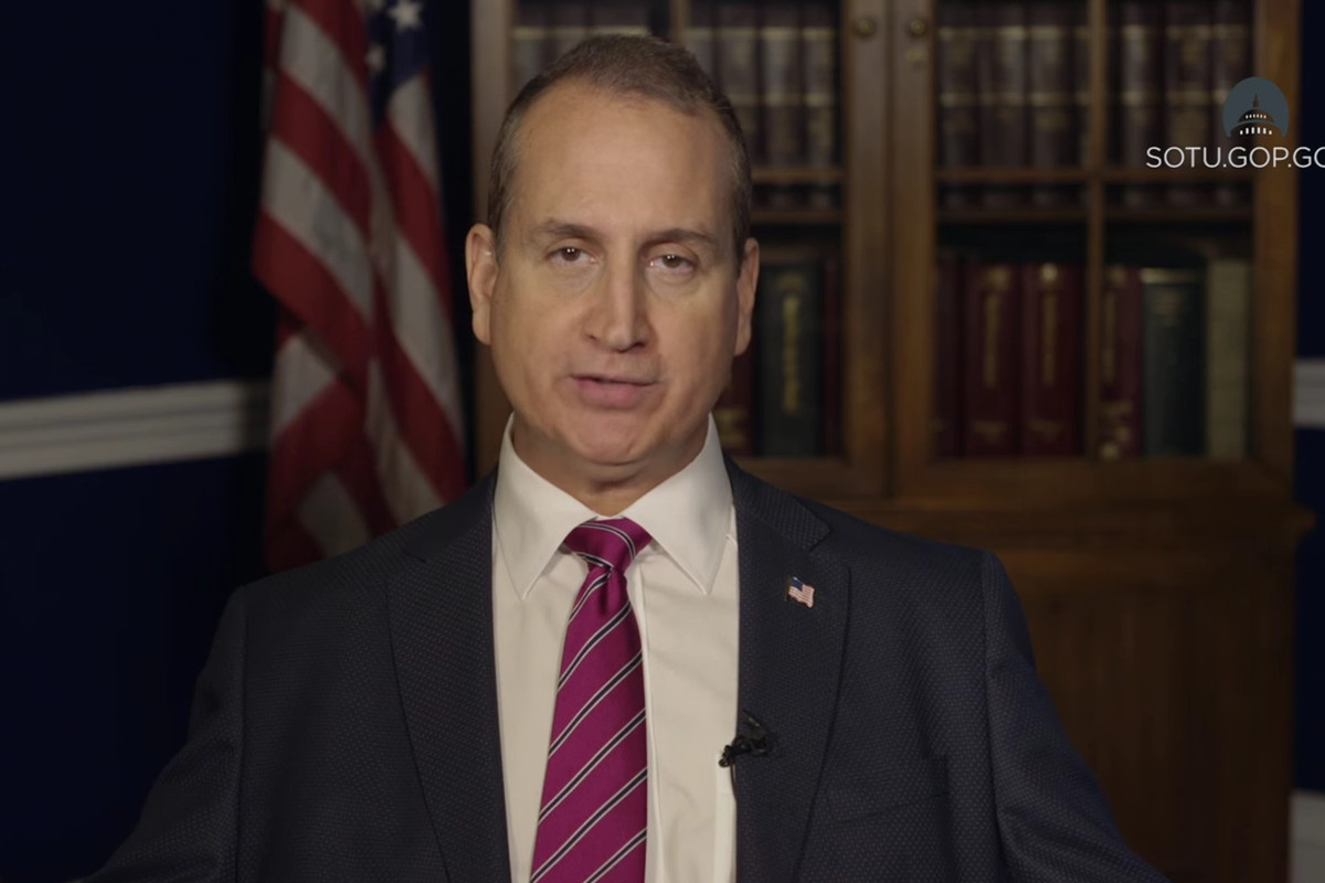 Mario Diaz-Balart delivers the Republican response to the 2016 State of the Union in Spanish.