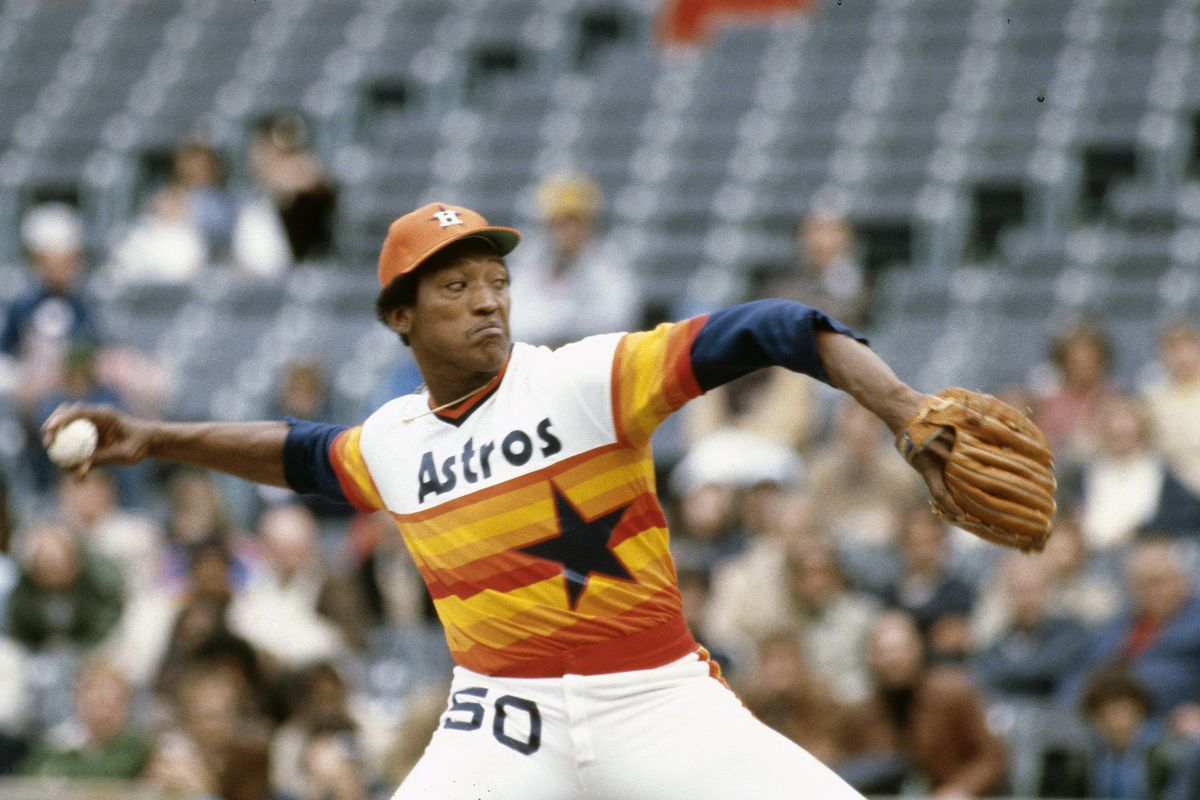392382fb1 J.R. Richard of the Houston Astros pitches against the New York Mets during  an Major League Baseball game circa 1978 at Shea Stadium.