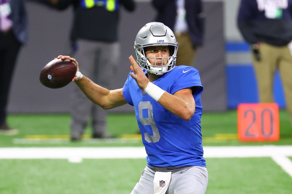 Matthew Stafford #9 of the Detroit Lions throws a pass in the fourth quarter against the Houston Texans at Ford Field on November 26, 2020 in Detroit, Michigan.