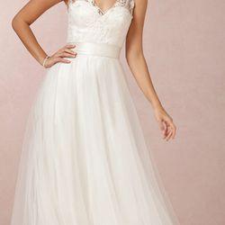 """<a href=""""http://www.bhldn.com/shop-the-bride-wedding-dresses/onyx-gown-oyster/productoptionids/f314d873-ef50-4ba8-88ab-7e634f1f2445"""">Onyx Gown</a>, $1,800"""