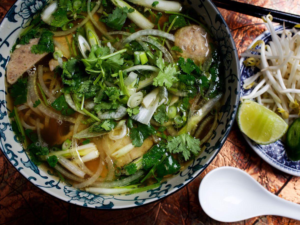 $20 Diner - Caphe Banh Mi