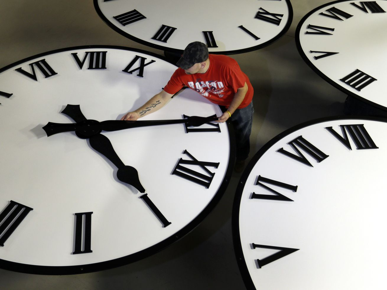 In our opinion: Daylight saving time — set the clock once and leave it alone