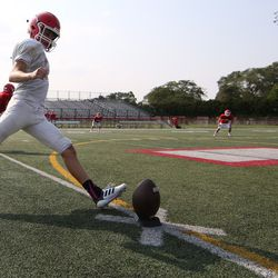 Marist works on special teams. Allen Cunningham/For the Sun-Times.