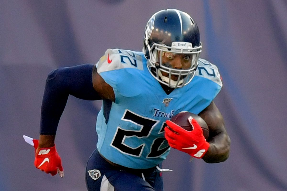 Tennessee Titans running back Derrick Henry rushes against the Los Angeles Chargers during the first half at Nissan Stadium.