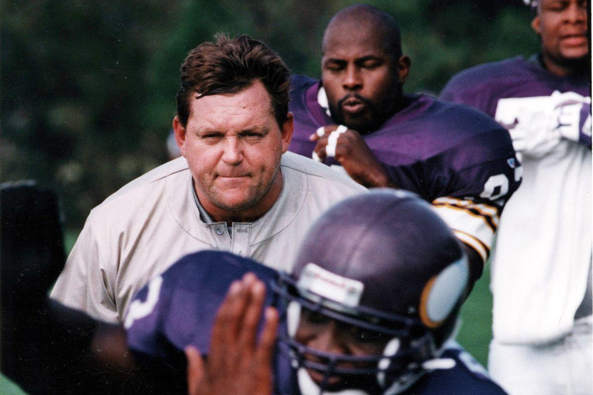 Minnesota Vikings defensive line coach John Teerlinck watched #93 John Randle run through drills during practice