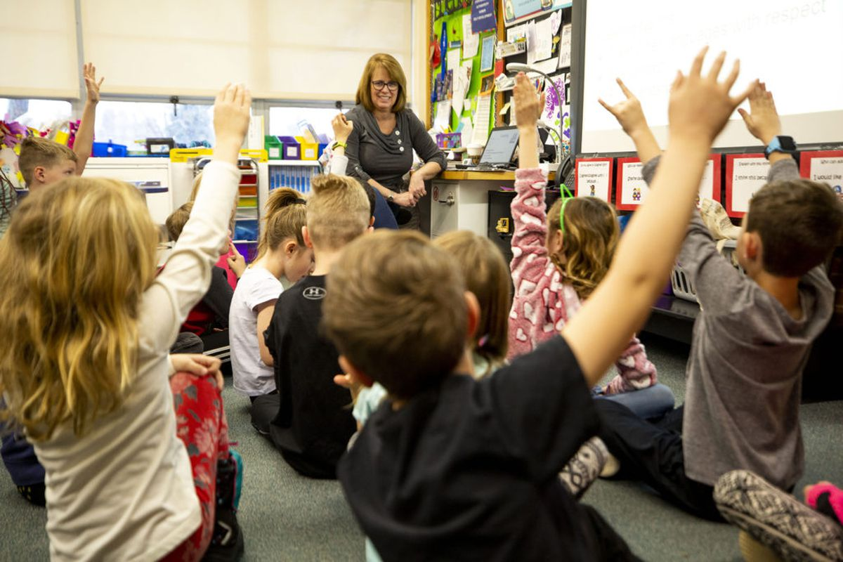 Terri Ruffennach fields questions from second-graders at Carson Elementary, March 13, 2020.