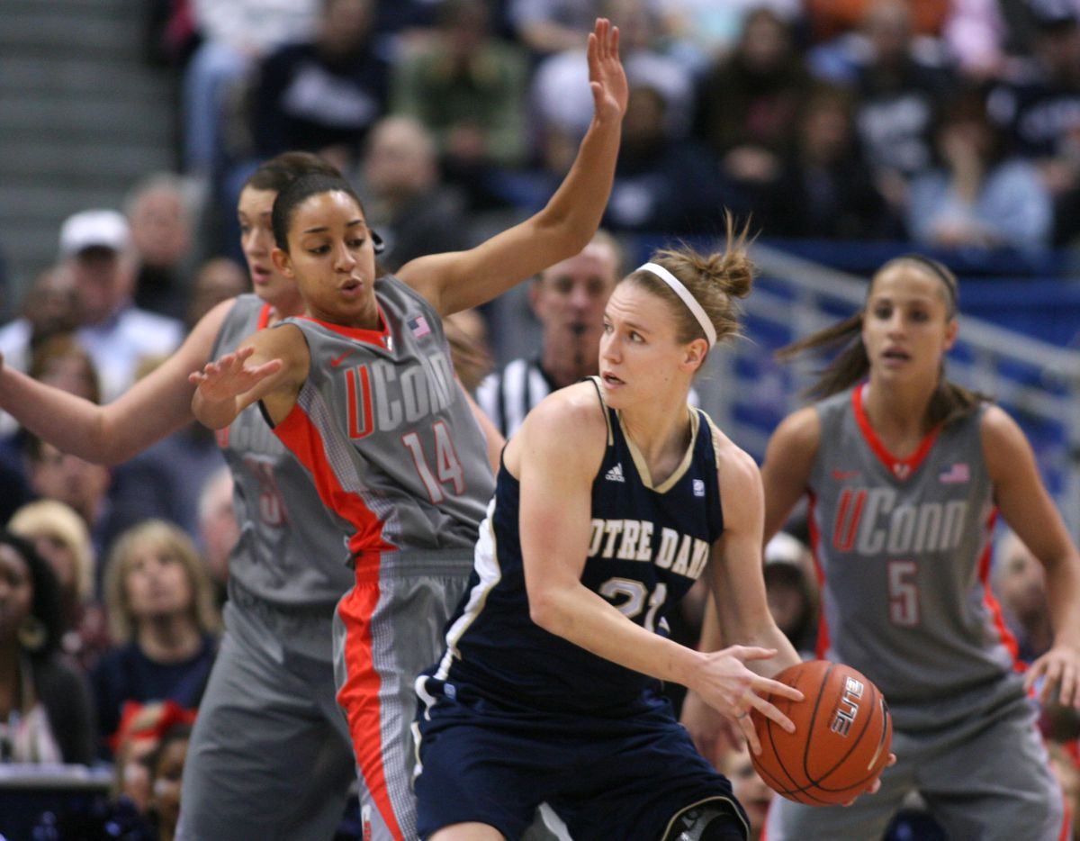 Notre Dame v Connecticut womens basketball