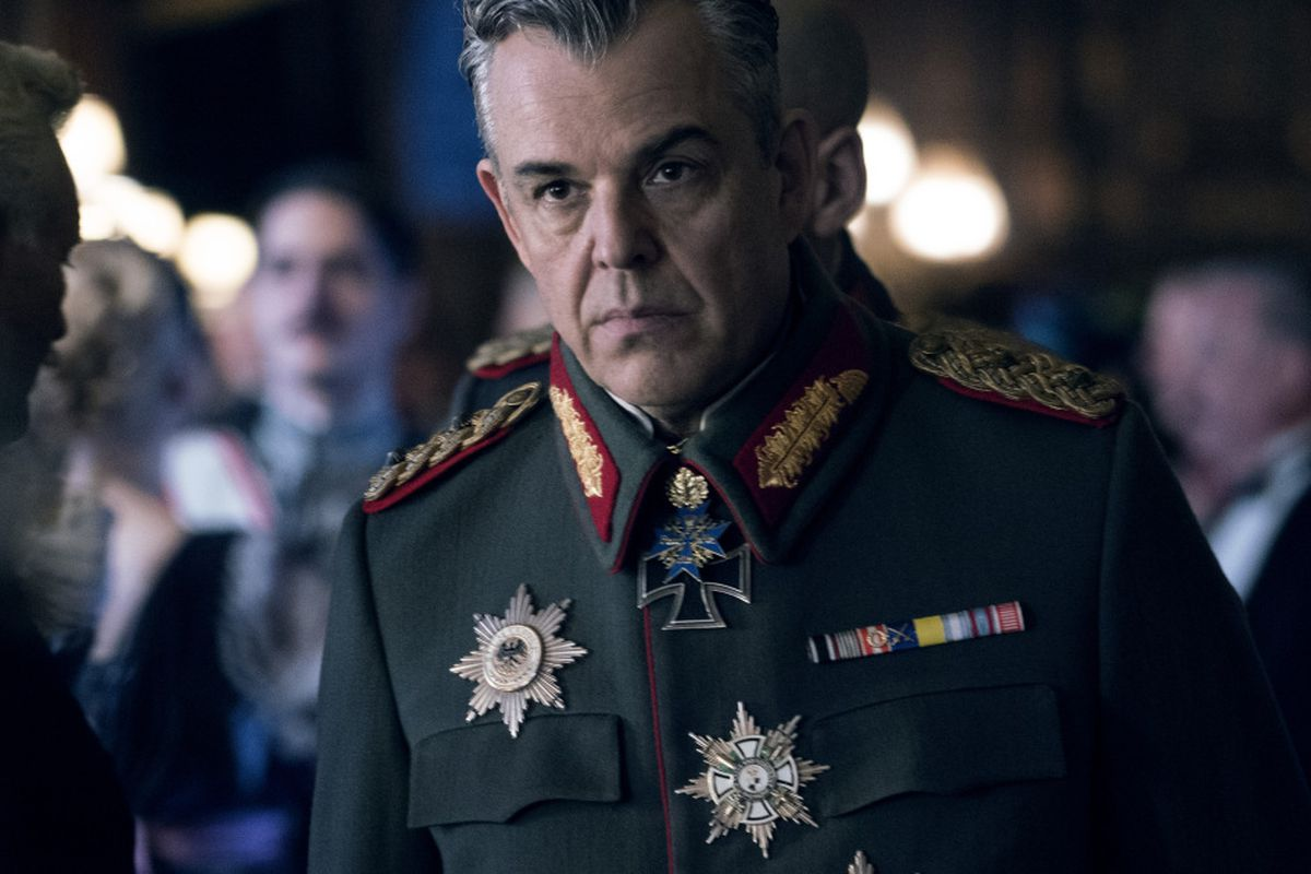 Wonder Woman's' Danny Huston shares Chicago memory of his famous dad -  Chicago Sun-Times
