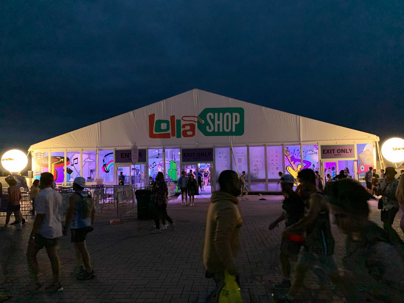 Starting Saturday, you'll need a mask to enter the merchandise shop at Lollapalooza in Grant Park.