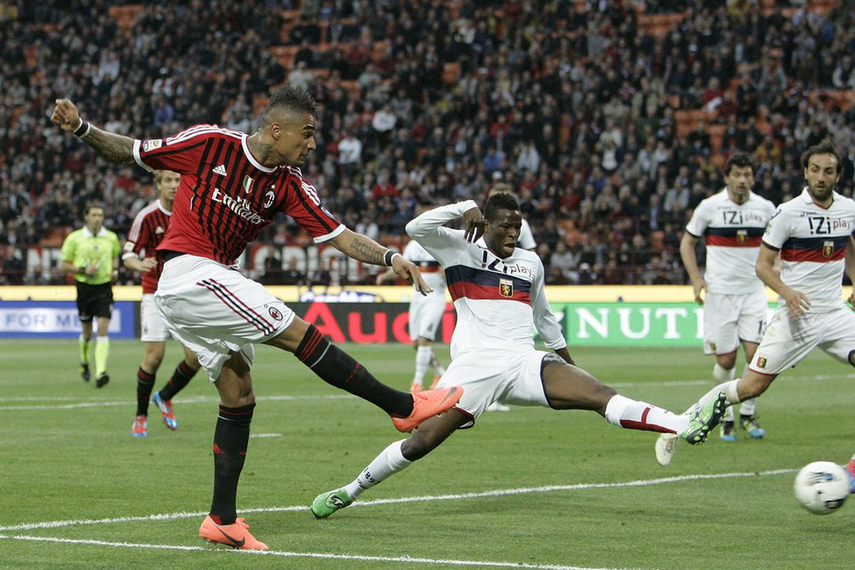 MILAN, ITALY - APRIL 25:  Kevin Prince Boateng of AC Milan scores the opening goal during the Serie A match between AC Milan and Genoa CFC at Stadio Giuseppe Meazza on April 25, 2012 in Milan, Italy.  (Photo by Marco Luzzani/Getty Images)