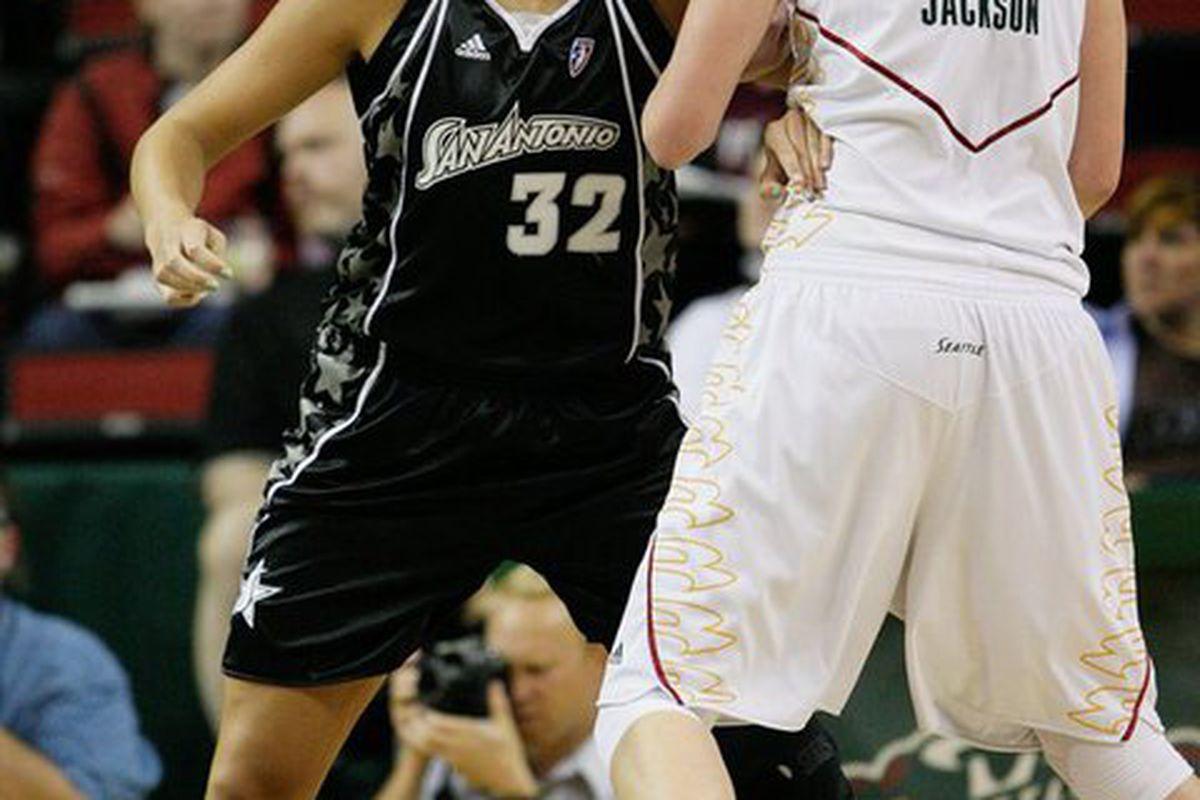 "San Antonio Silver Stars center Jayne Appel battles WNBA MVP Lauren Jackson. <em>Photo by <a href=""http://www.kailasimages.com"" target=""new"">Kailas Images</a>.</em>"