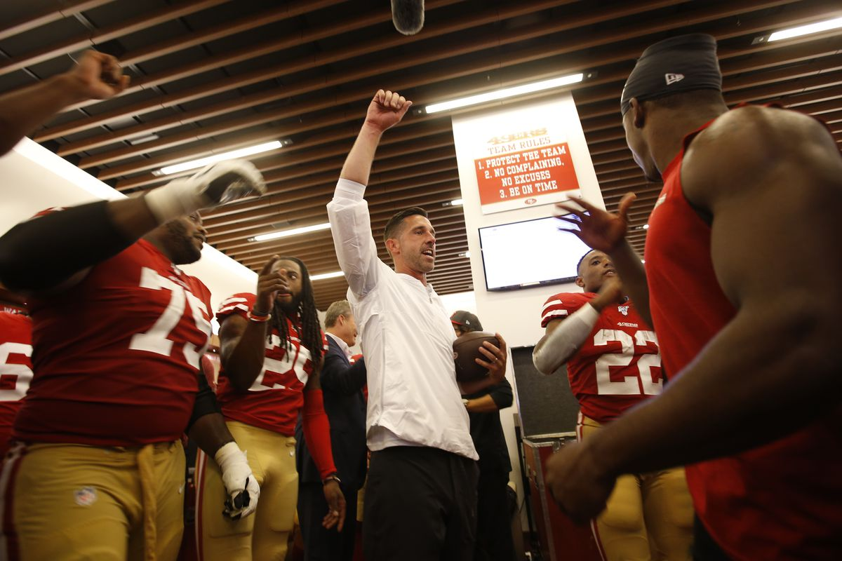 Head Coach Kyle Shanahan of the San Francisco 49ers addresses the team in the locker room following the game against the Pittsburgh Steelers at Levi's Stadium on September 22, 2019 in Santa Clara, California.