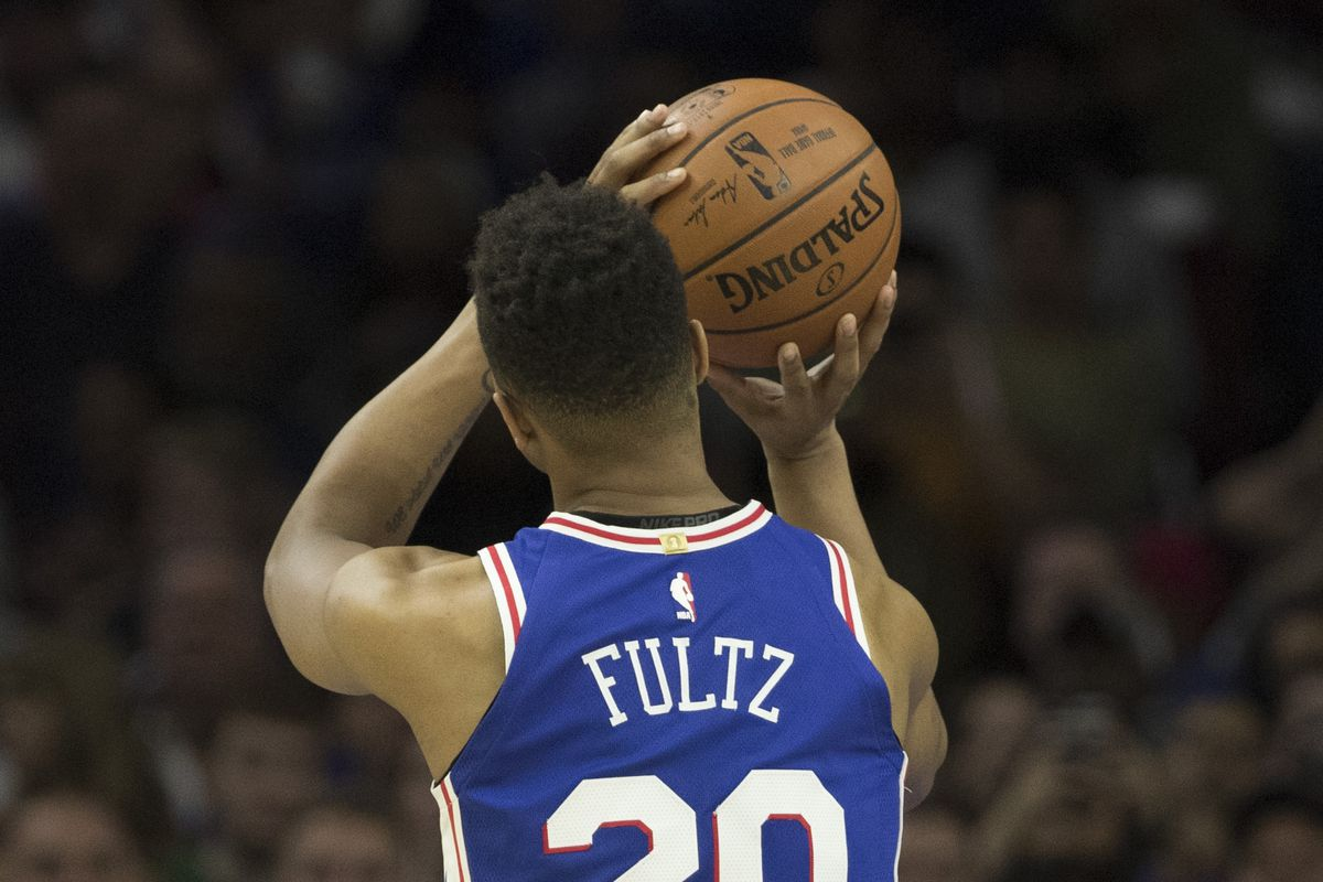 Agent says Fultz has shoulder injury