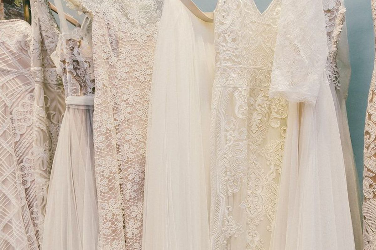 Kleinfeld S Sample Sale Returns In Time For Wedding Season Racked Ny