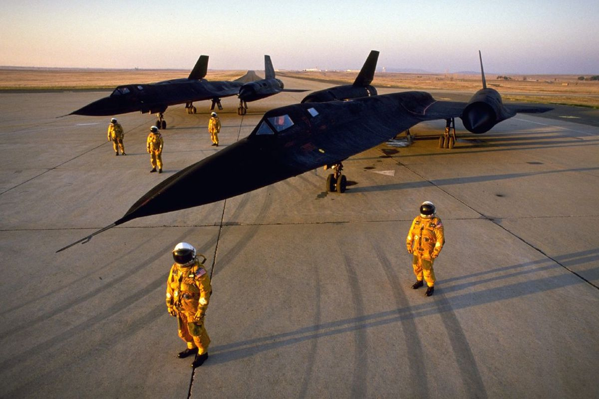 flying the world u0027s fastest plane behind the stick of the sr 71