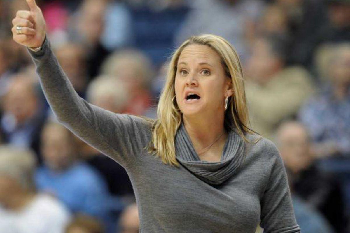 Utah women's basketball coach Lynne Roberts