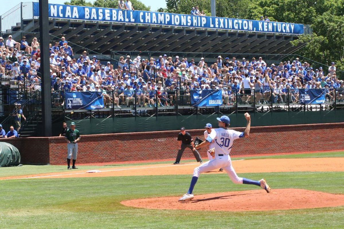Kentucky tops N.C. State 10-5, earns first super regional
