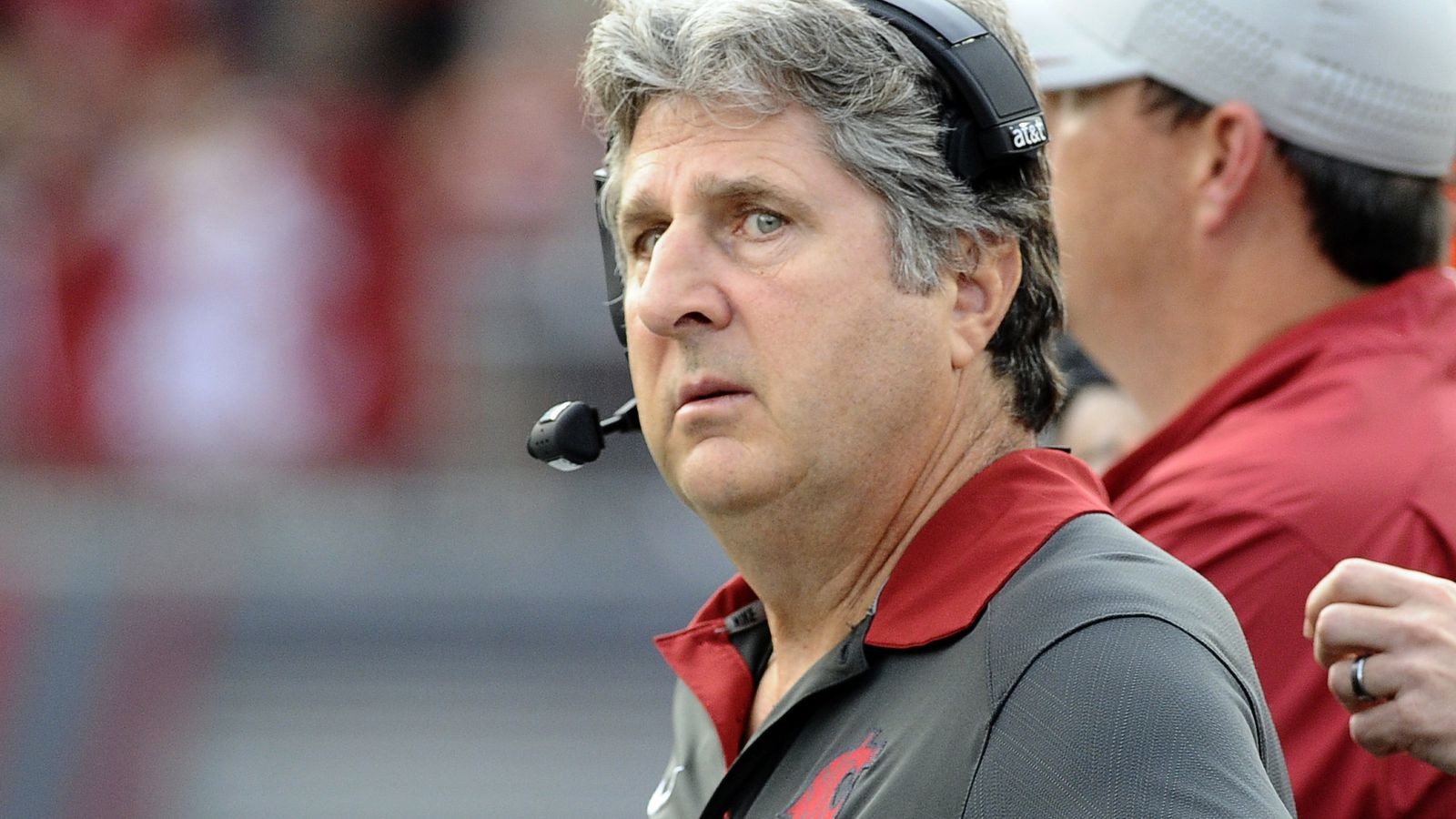 Mike Leach Wsu Cougars >> Mike Leach once signed a 'gigantic' bra - CougCenter