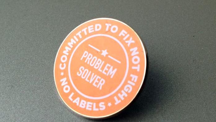 No Labels problem solver button