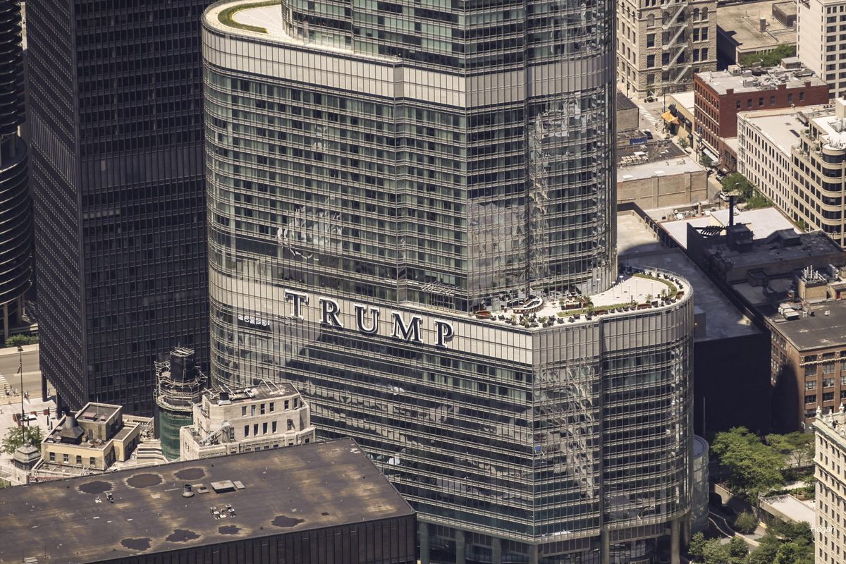 Aerial view of Trump tower in Chicago.   Lee Hogan/For Sun-Times Media