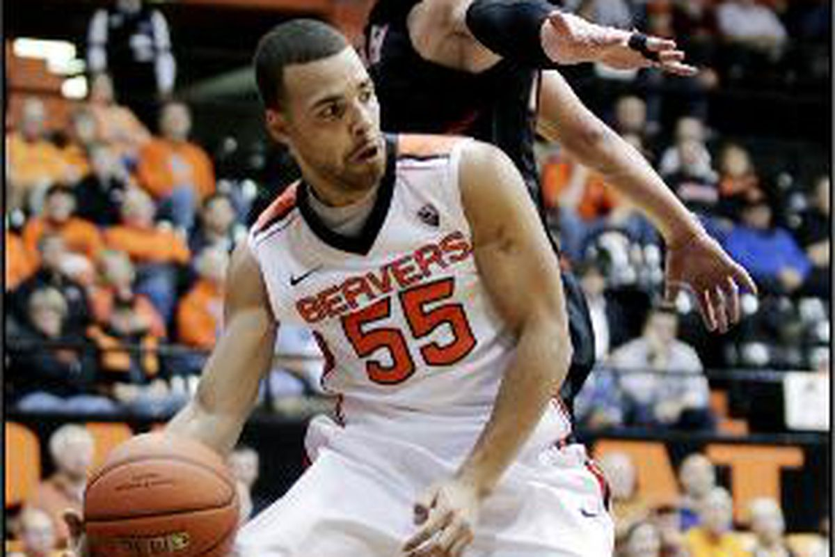 Oregon St.'s Roberto Nelson shook off a bruised quad to score a game high 26 points to lead the Beavers to an 18 point win over Utah.