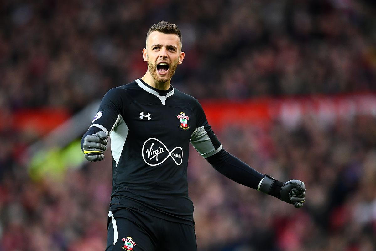 Southampton's Angus Gunn is reportedly looking at the possibility of switching international football allegiances from England to Scotland