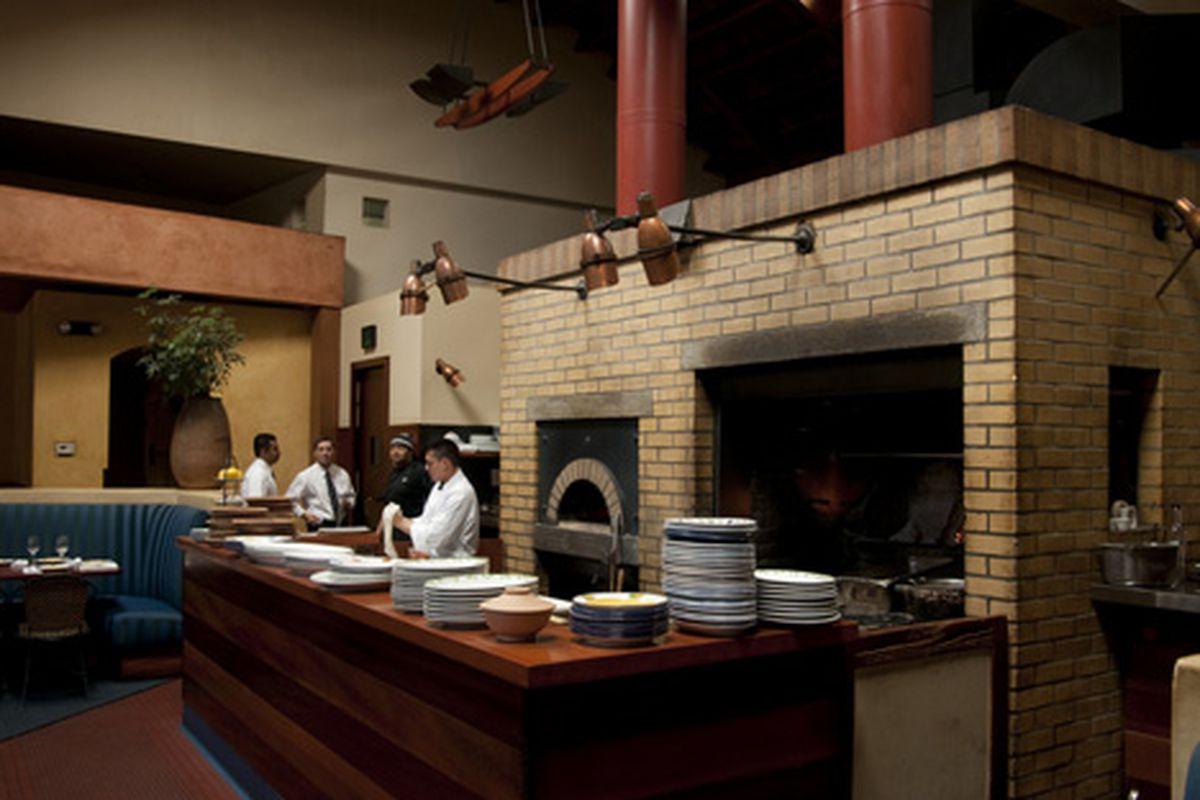 Quiet time, big oven at Restaurant LuLu.