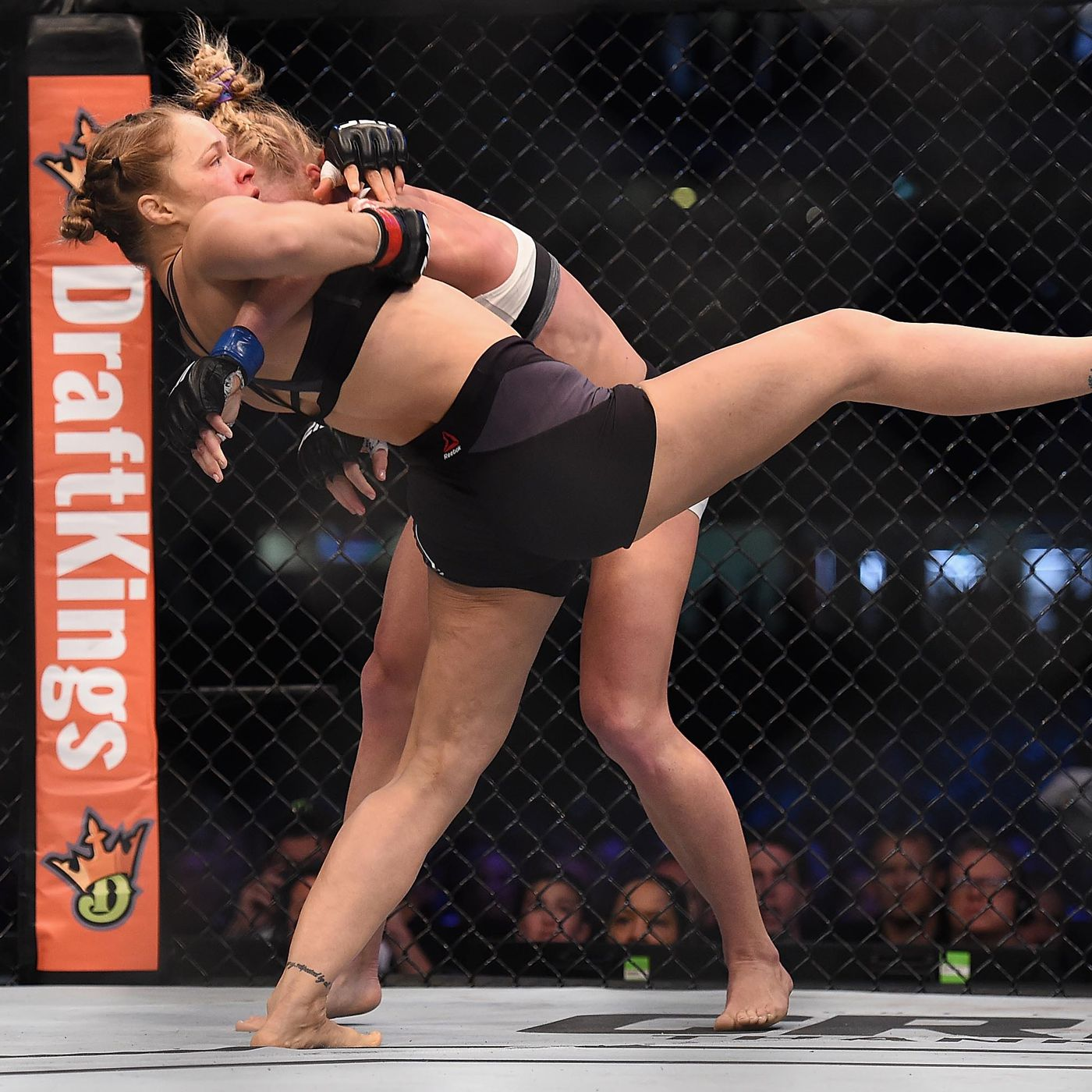 Holly holm vs ronda rousey betting line lines in sports betting