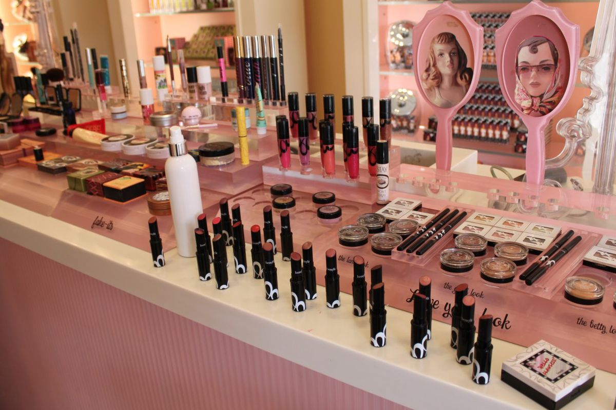 """<a href=""""http://sf.racked.com/maps/san-franciscos-38-essential-beauty-shopping-experiences"""">Racked SF</a>"""