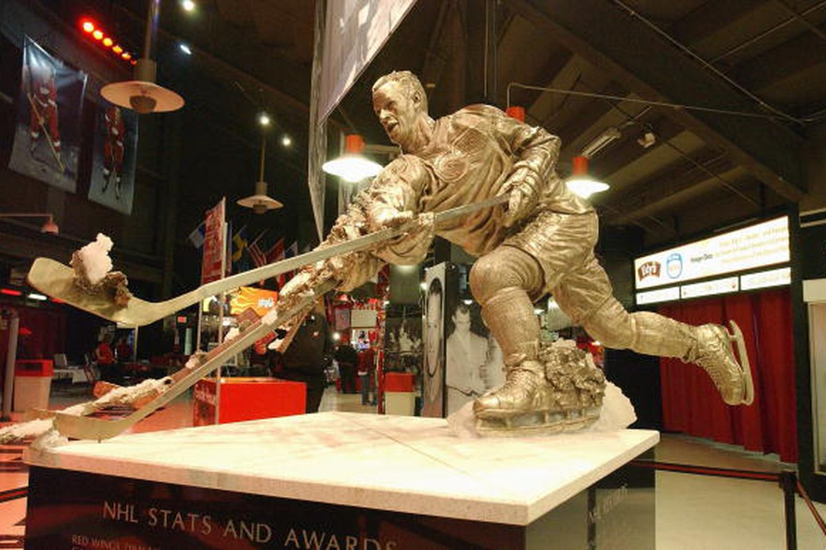"""Gordie Howe statue inside the west entrance of Joe Louis Arena.   Getty Images Sport  Photo By: Dave Sandford  via <a href=""""http://www.gettyimages.ca/?language=en-US&location=CAN"""" target=""""new"""">http://www.gettyimages.com</a>"""