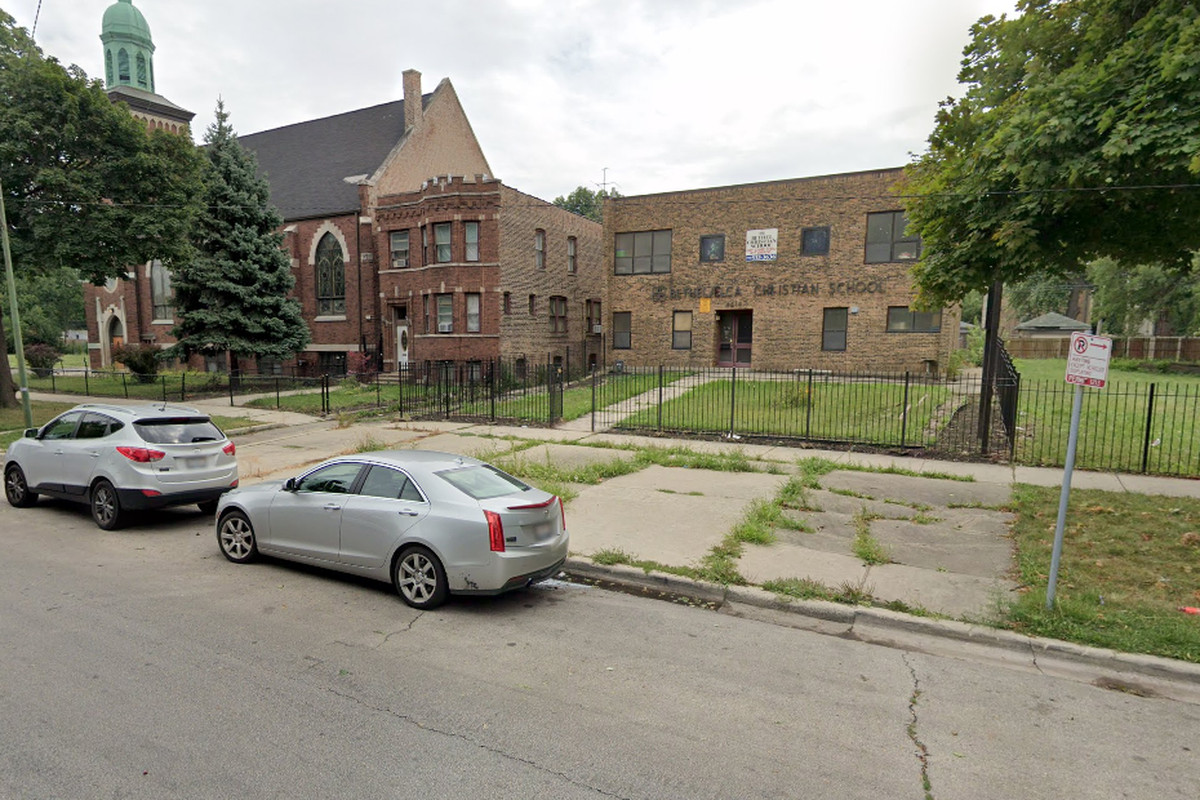 Garfield Park shooting: Boy, 17, grazed by bullet on West End Avenue