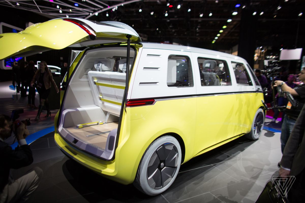Volkswagen Claims The Microbus Could Make It Into Production By 2025 But That Seems Overly Optimistic German Automaker Released A Diffe Minivan