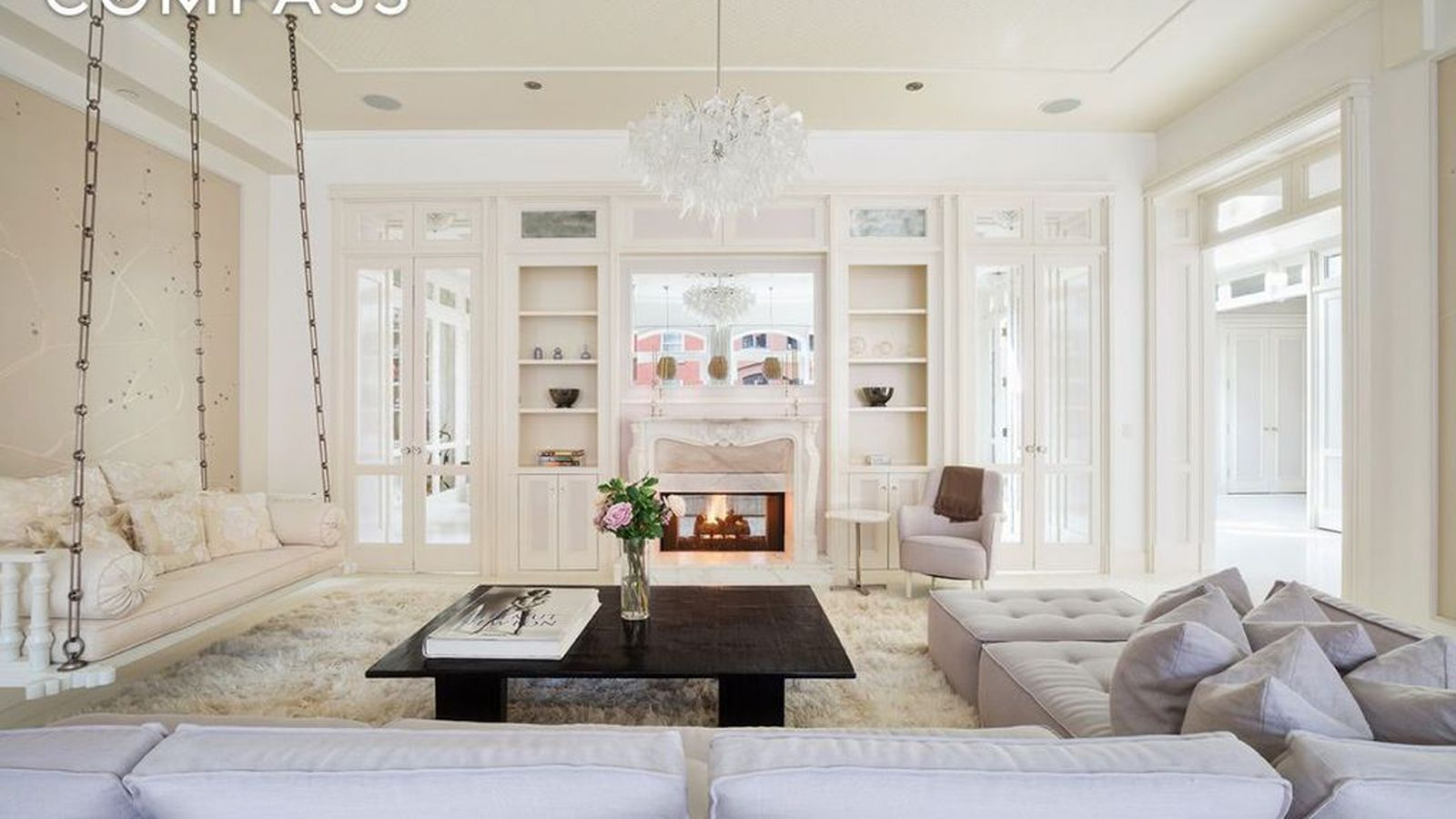 Inside gwyneth paltrow s ethereal tribeca loft now for Tribeca apartment for sale