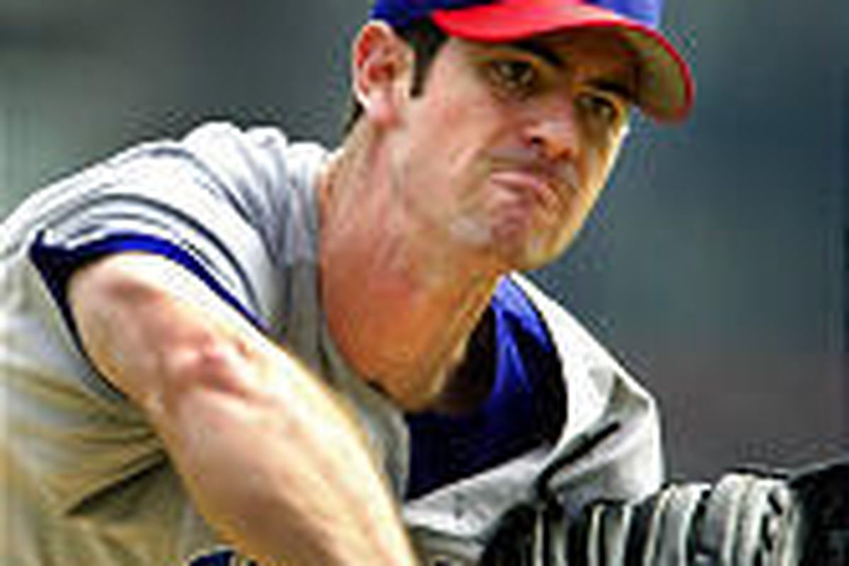 Chicago Cubs starting pitcher Mark Prior throws in the first inning en route to a victory over the Pirates.