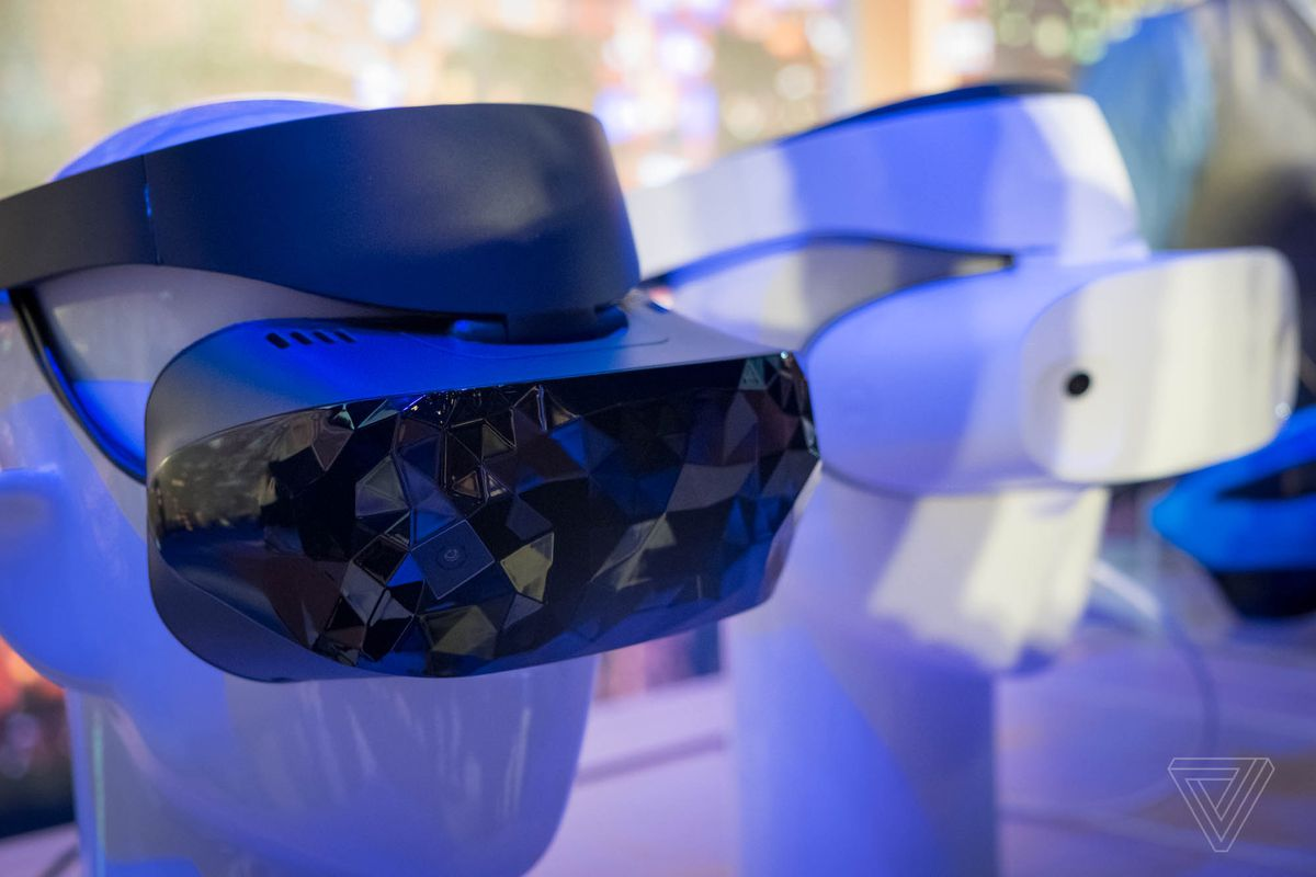 Computex 2017: Microsoft shows off Dell and Asus Windows Mixed Reality headsets