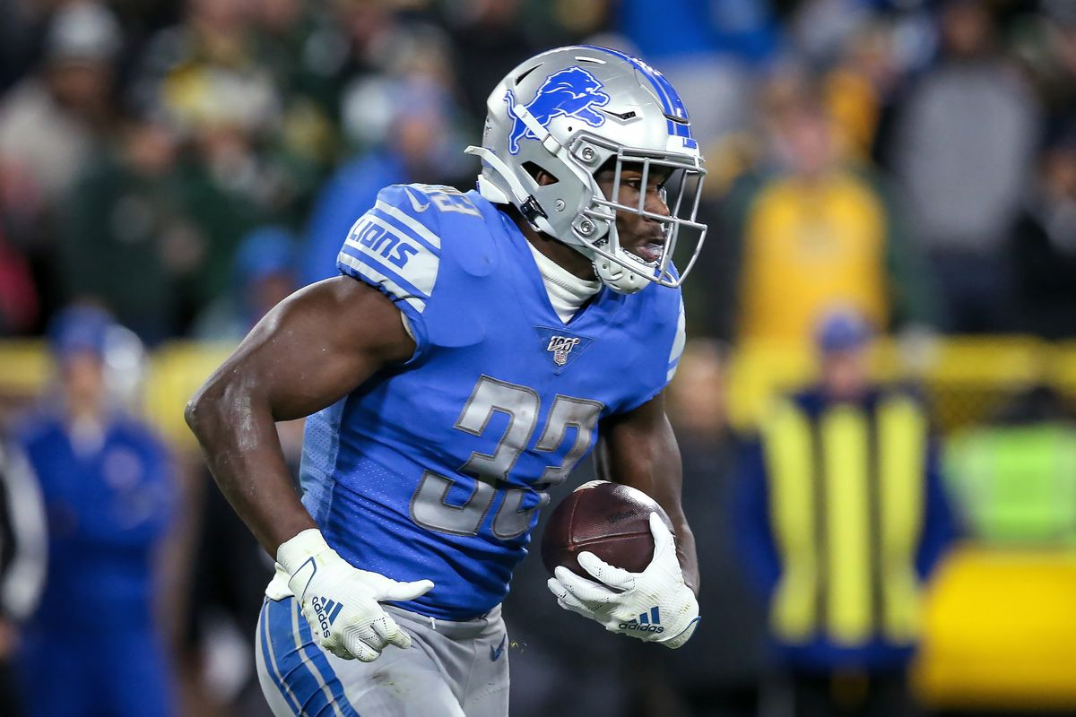 Kerryon Johnson of the Detroit Lions runs with the ball in the second quarter against the Green Bay Packers at Lambeau Field on October 14, 2019 in Green Bay, Wisconsin.