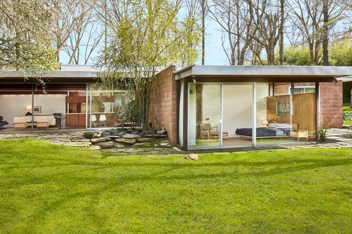 Midcentury Modern Homes Near Philly You Can Buy Right Now