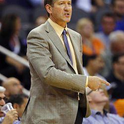Phoenix Suns head coach Jeff Hornacek calls a play against the Utah Jazz during the first half of an NBA basketball game Friday, Nov. 1, 2013, in Phoenix. (AP Photo/Matt York)