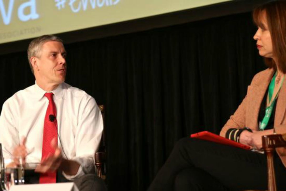 U.S. Education Secretary Arne Duncan spoke with New York Times reporter Motoko Rich during a public discussion at the Education Writers Assocation's National Seminar in Chicago on Tuesday.