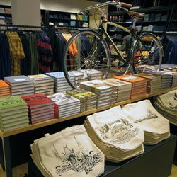 """In addition to carrying a cool selection of books, Unionmade also created an exclusive tote (<b>$12</b>) for the The Grove. Check out the fun video toasting their new digs <a href=""""http://parachute-parachute.com/Links/UM/UM_Grove_1080.mp4"""">here</a>."""