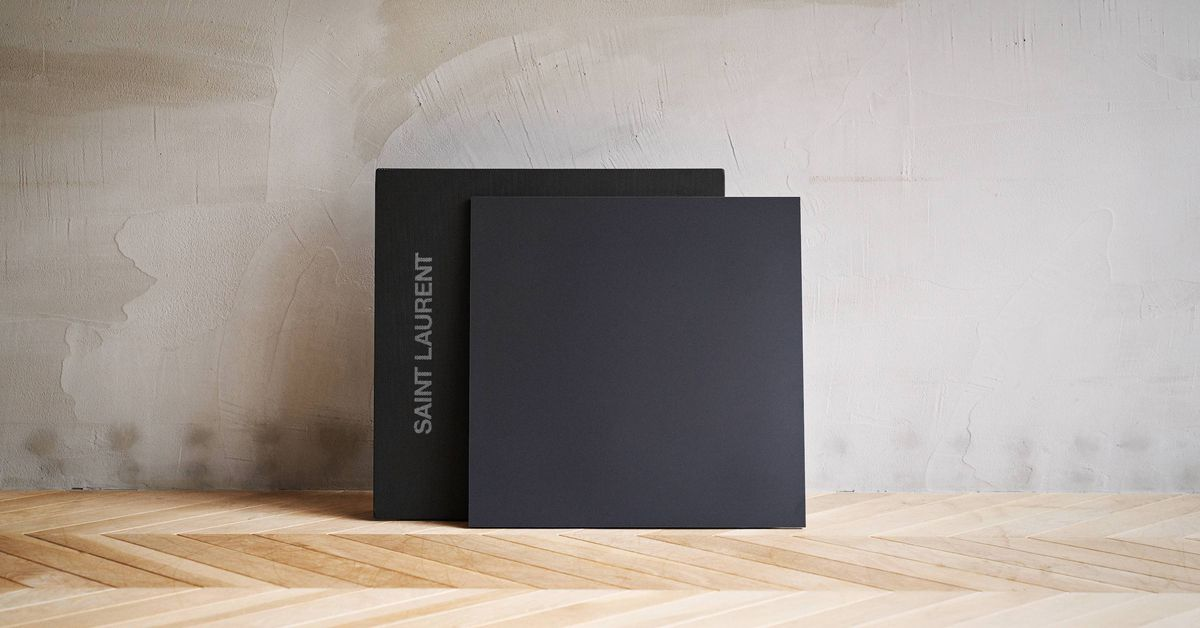 This Limited Edition All-black Speaker Displays Animated Lyrics