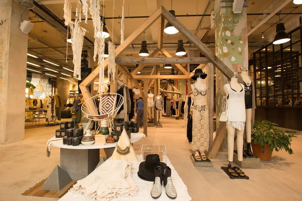 Is this crazy new lifestyle store the future of urban for Interno 5 urban store