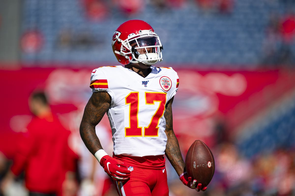 Mecole Hardman #17 of the Kansas City Chiefs warms up before the game against the Tennessee Titans at Nissan Stadium on November 10, 2019 in Nashville, Tennessee. Tennessee defeats Kansas City 35-32.