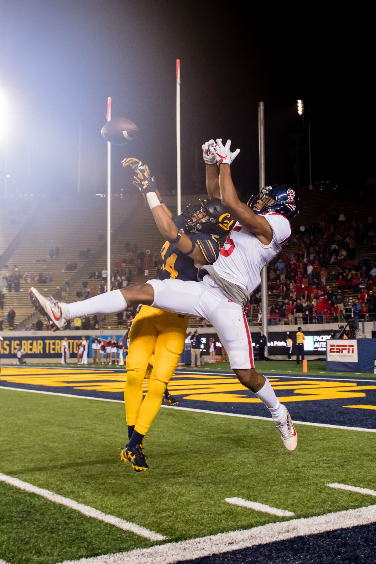 COLLEGE FOOTBALL: SEP 16 Ole Miss at Cal