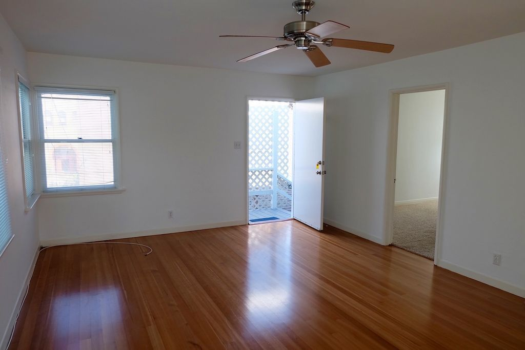 This One Bedroom Unit In Marina Del Rey Is Less Than Block From The Beach Gleaming Wood Floors Run Through 600 Square Foot Apartment Except