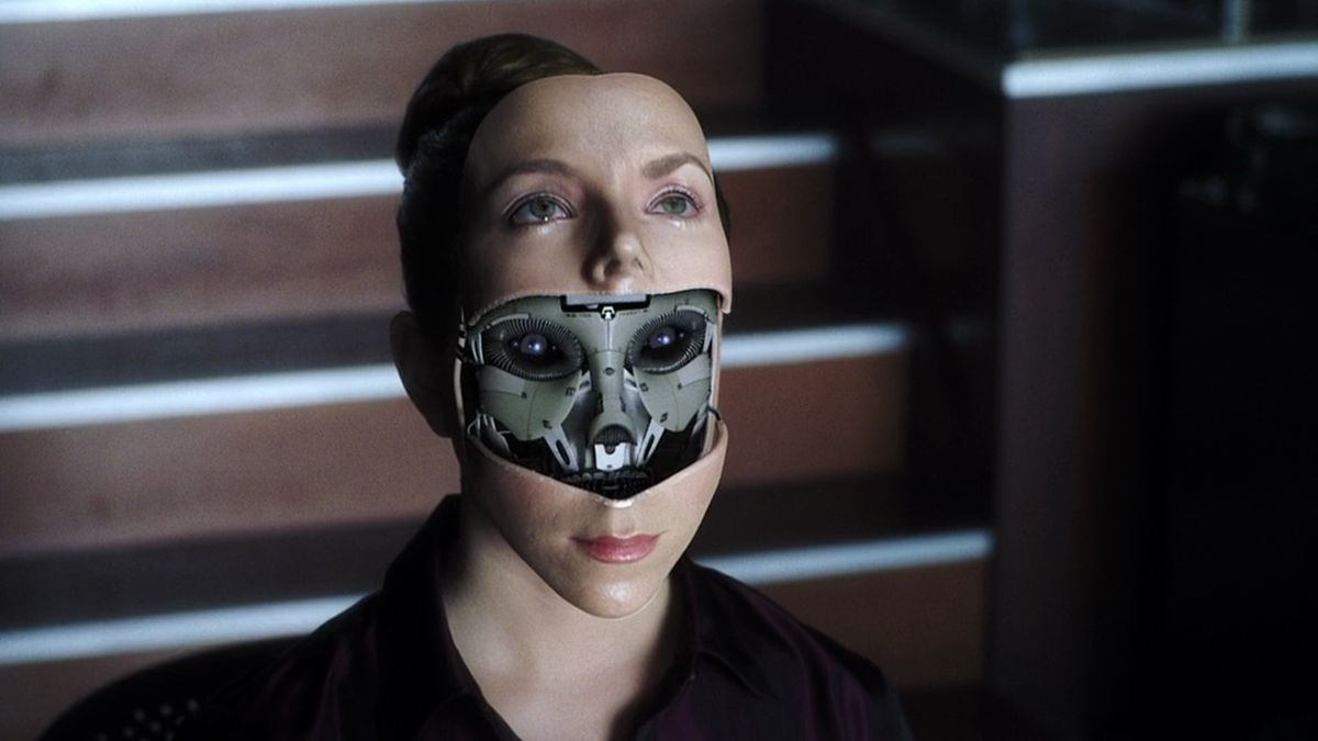 A robot opens up her face in Spielberg's AI Artificial Intelligence