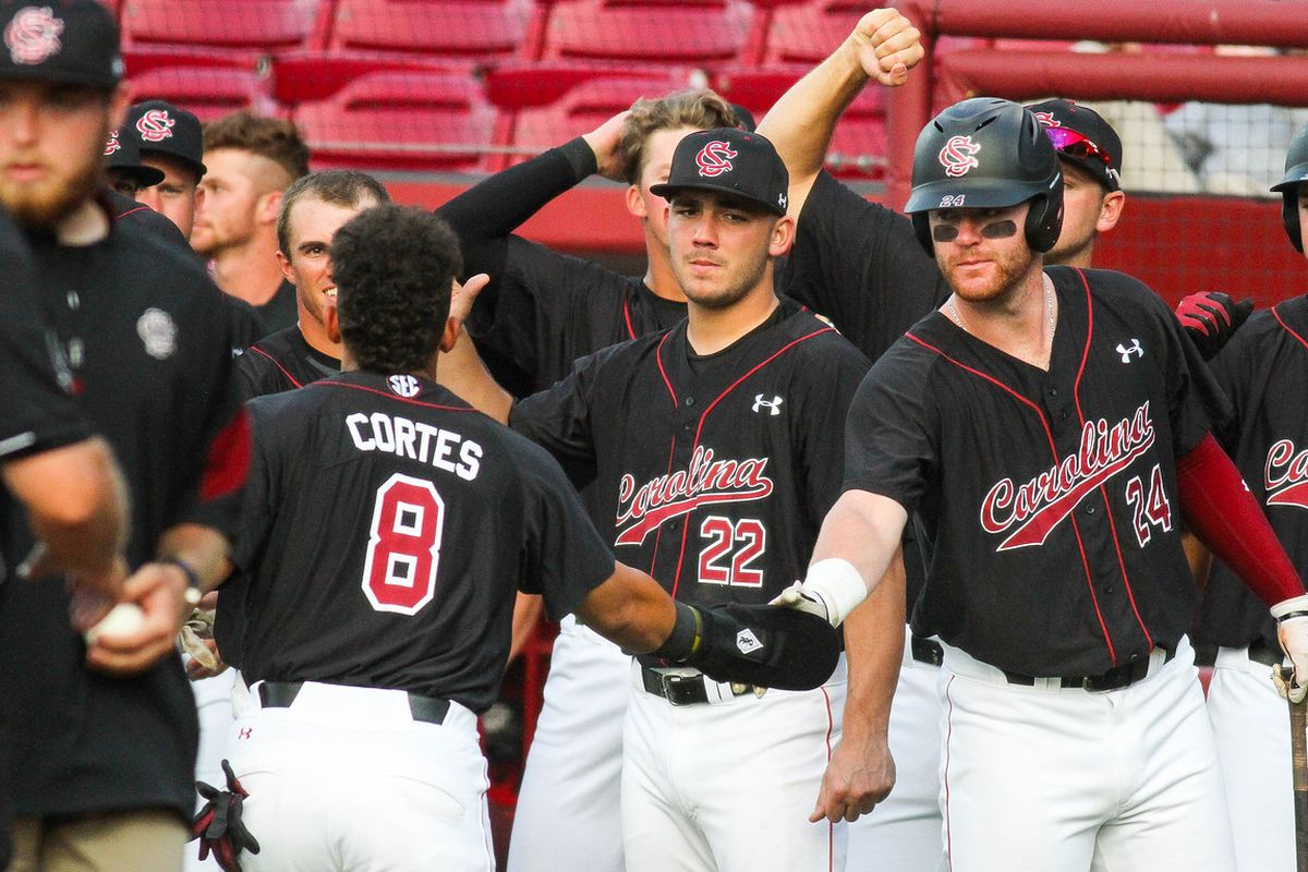 South Carolina beats Kentucky 3-1 to reach SEC semifinals