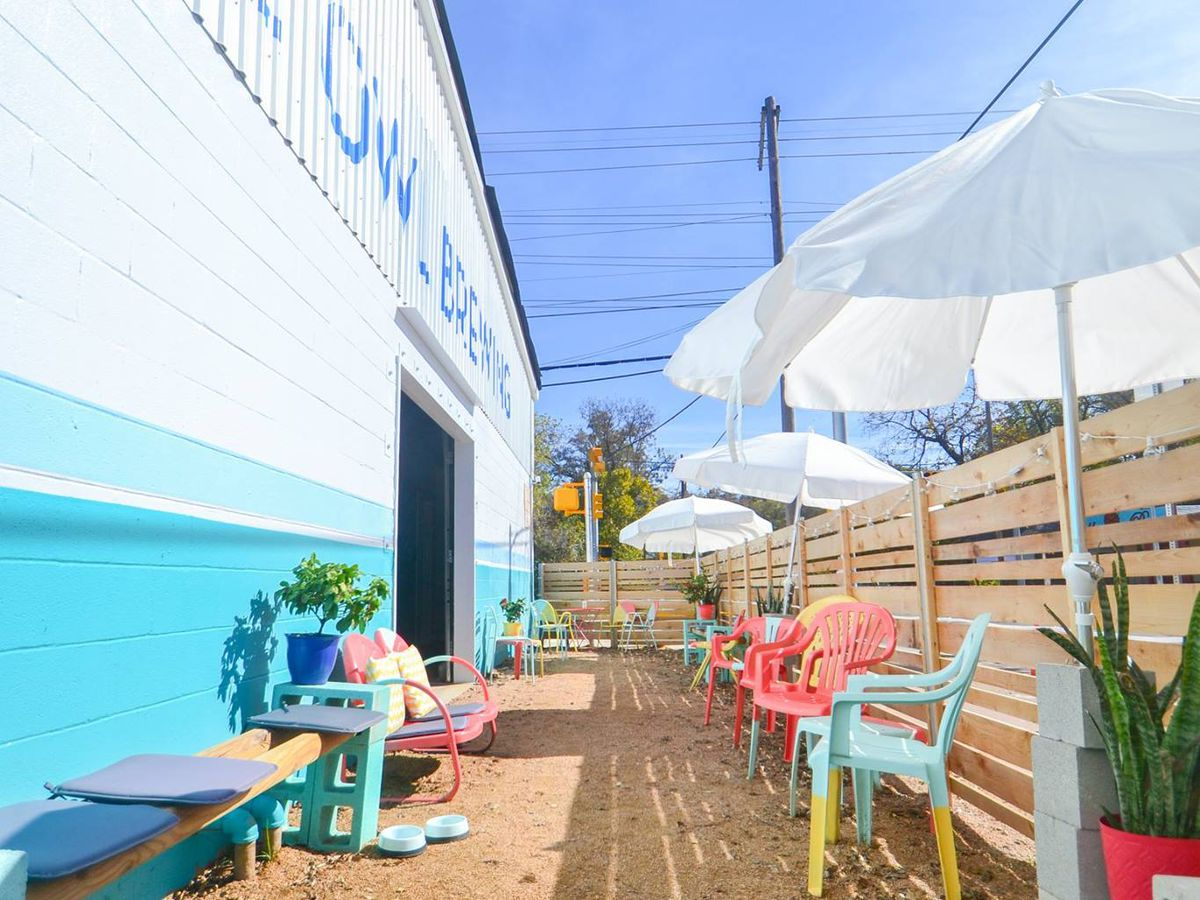 Blue Owl Brewery's patio