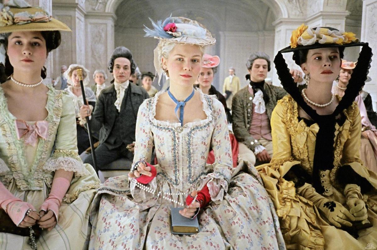 Kirsten Dunst in 'Marie Antoinette' (Columbia Pictures)